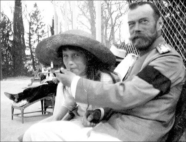 02 Tsar Nicholas II allows his daughter, the Grand Duchess Anastasia, to smoke.