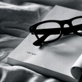 Book-iPad-wallpaper-Reading-Ray-Ban-Glasses