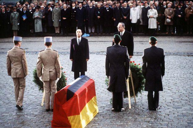 Kohl and Mitterand in Verdun, 1984 (2)