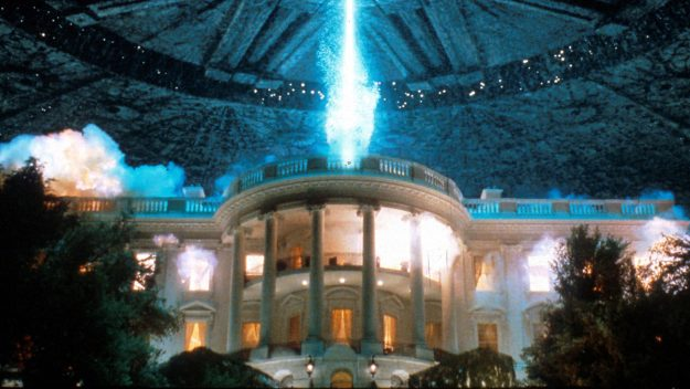 Independence Day (1996) Directed by Roland Emmerich Shown: White House exploding