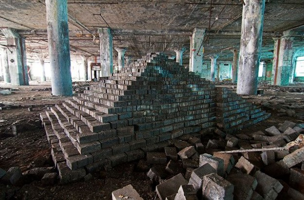 ziggurat-art-abandoned-detroit-factory-4